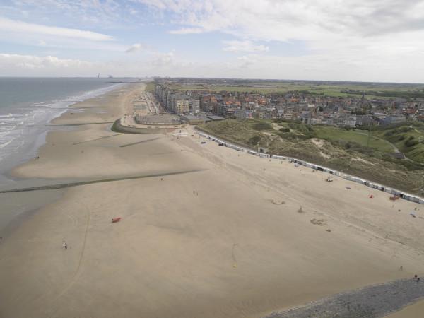 Luchtfoto van het strand van Wenduine